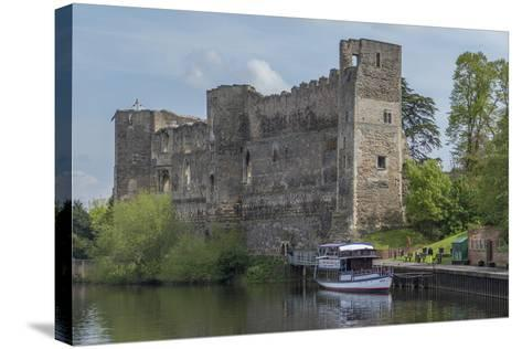 Castle and River Trent, Newark, Nottinghamshire, England, United Kingdom-Rolf Richardson-Stretched Canvas Print