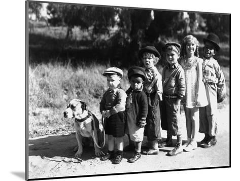 Serie Televisee Les Petites Canailles the Little Rascals, 1933--Mounted Photo