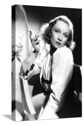 Ange Angel De Ernstlubitsch Avec Marlene Dietrich 1937--Stretched Canvas Print