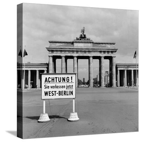 East-West Berlin Border 1961-Terry Fincher-Stretched Canvas Print