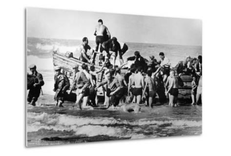 Illegal Jewish Immigrants Helped Ashore When Arriving Unseen by the British Navy on the…--Metal Print