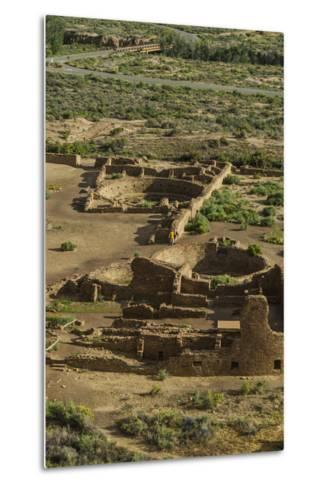 Chaco Ruins in the Chaco Culture Nat'l Historic Park, UNESCO World Heritage Site, New Mexico, USA-Michael Runkel-Metal Print