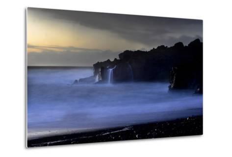 The Atlantic Ocean and Cliffs at Selatangar at Sunset-Raul Touzon-Metal Print