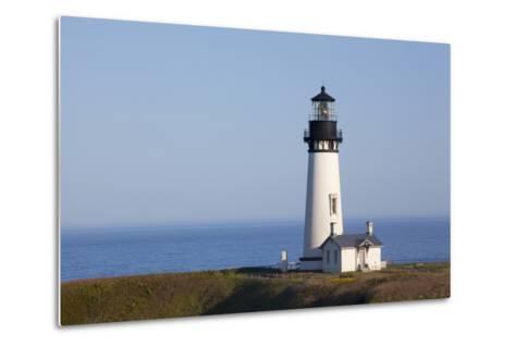 Yaquina Head Lighthouse, 1873, Newport, Oregon, USA-Jamie & Judy Wild-Metal Print