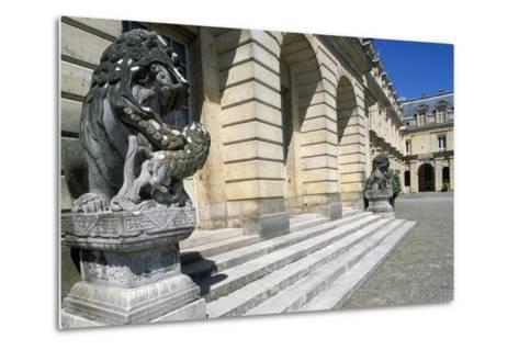 Fontana Court, Palace of Fontainebleau--Metal Print