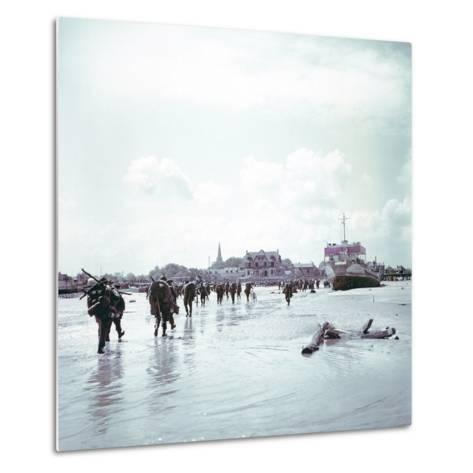 Troops of the 3rd Canadian Infantry Division Landing at Juno Beach Near Bernieres-Sur-Mer on D-Day--Metal Print