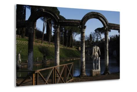 Hadrian's Villa, the Canopus, Statue, 2nd Century, Italy--Metal Print
