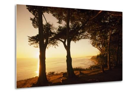 Sunset from Cliffs Above the Pacific Ocean at the Douglas Family Preserve-Macduff Everton-Metal Print
