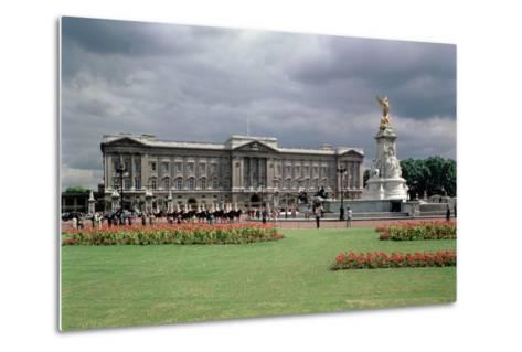 Buckingham Palace--Metal Print