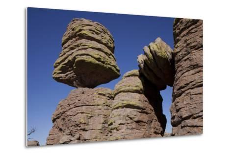 Big Balanced Rock Near the Heart of Rocks in Chiricahua National Monument-Scott Warren-Metal Print