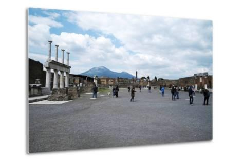The Forum of Pompeii with Mount Vesuvius in the Background, Pompeii, Campania, Italy-Oliviero Olivieri-Metal Print