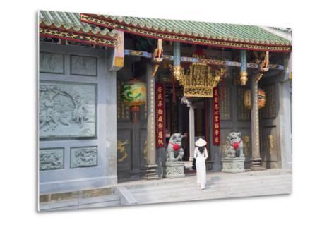 Woman Wearing Ao Dai Dress at Nghia an Hoi Quan Pagoda, Cholon, Ho Chi Minh City, Vietnam-Ian Trower-Metal Print