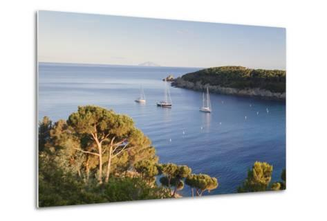 Sailing Boats in the Bay of Fetovaia at Sunset, Island of Elba, Livorno Province, Tuscany, Italy-Markus Lange-Metal Print