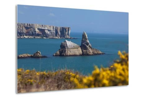Church Rock, Broad Haven Beach, Pembrokeshire, West Wales, Wales, United Kingdom-Billy Stock-Metal Print