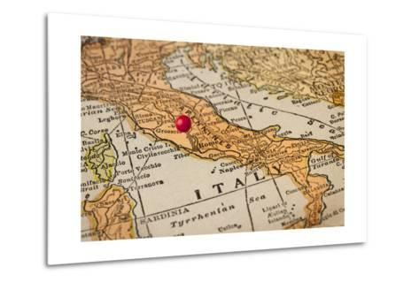 Italy Vintage 1920S Map (Printed In 1926 - Copyrights Expired) With A Red Pushpin On Rome-PixelsAway-Metal Print