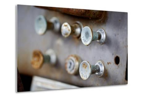Pull Knobs - Choke And Throttle With Shallow Depth Of Field-leaf-Metal Print