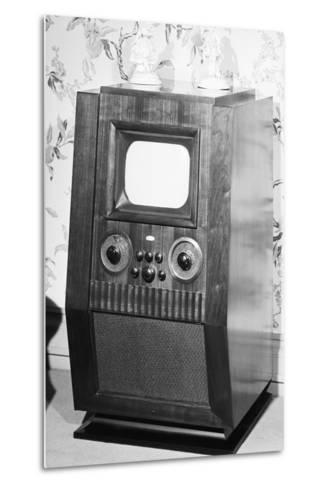 Television Set of the 1940'S--Metal Print
