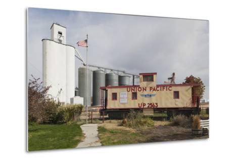 Grain Elevator, Hershey, Nebraska, USA-Walter Bibikow-Metal Print