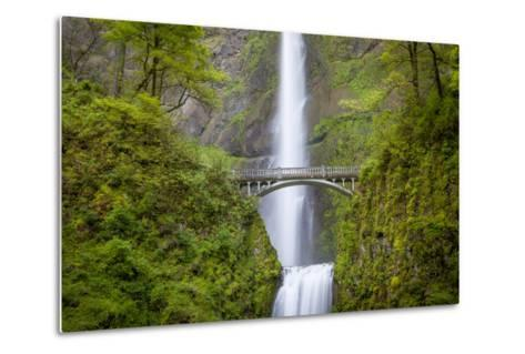 Multnomah Falls in the Columbia River Gorge Near Portland, Oregon, Usa-Brian Jannsen-Metal Print