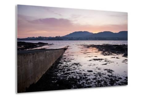 Roundstone, Connemara, County Galway, Connacht, Republic of Ireland, Europe-Ben Pipe-Metal Print