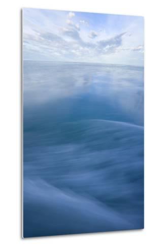 Vast Seascape-Momatiuk - Eastcott-Metal Print
