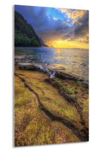 Day's End at Ke'e Beach, Na Pali Coast, Kauai-Vincent James-Metal Print
