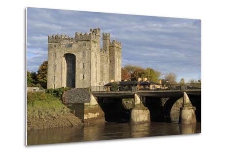 Bunratty Castle, County Clare, Munster, Republic of Ireland, Europe-Richard Cummins-Metal Print