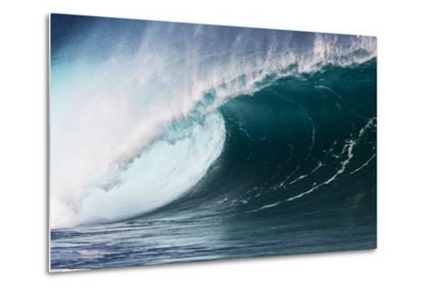 Hawaii, Oahu, Large Waves Along the Pipeline Beach-Terry Eggers-Metal Print