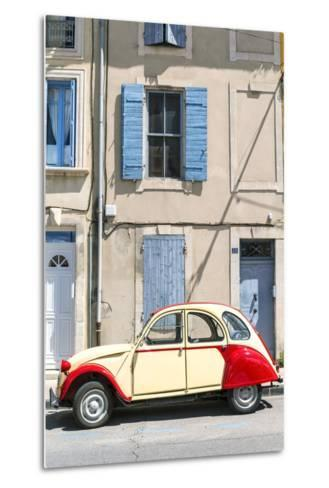 France, Provence Alps Cote D'Azur, Saint Remy De Provence. Street View with Old Fashioned 2Cv Car-Matteo Colombo-Metal Print