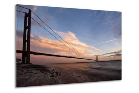 The Humber Bridge at Dusk, East Riding of Yorkshire, Yorkshire, England, United Kingdom, Europe-Mark Sunderland-Metal Print