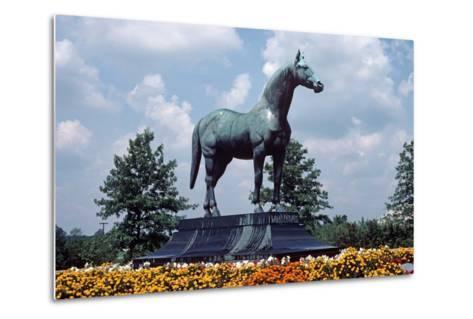 Man O' War Racehorse Statue in Kentucky Horse Park, Lexington, Kentucky, Usa, August 1984-Alain Le Garsmeur-Metal Print