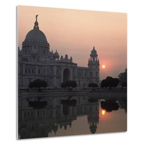 Victoria Memorial-Design Pics Inc-Metal Print