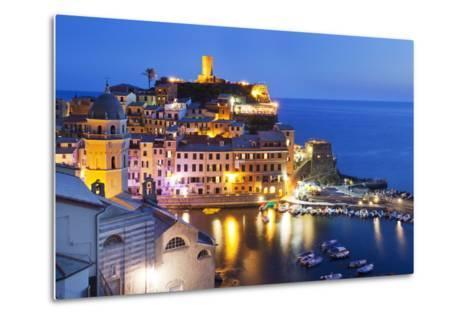 Vernazza at Dusk, Cinque Terre, UNESCO World Heritage Site, Liguria, Italy, Mediterranean, Europe-Mark Sunderland-Metal Print