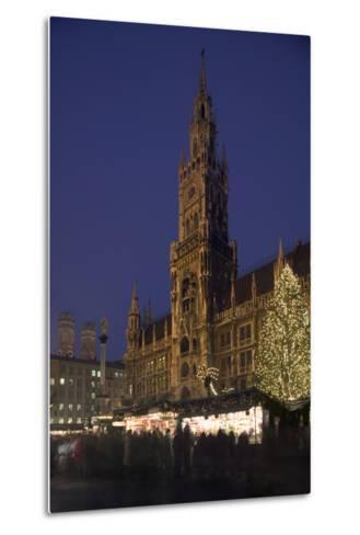 Christmas Tree in Marienplatz in Munich-Jon Hicks-Metal Print
