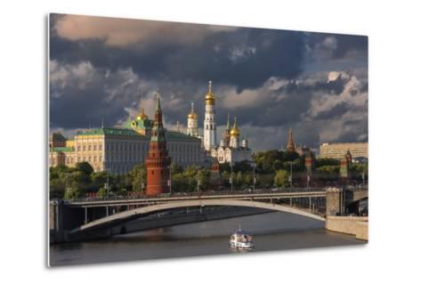 The Kremlin and Moscow River.-Jon Hicks-Metal Print