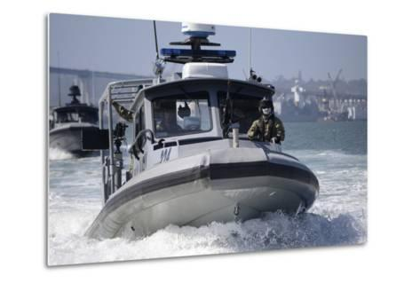 Sailors Conduct Training in Small Boat Defensive Tactics in San Diego Bay--Metal Print