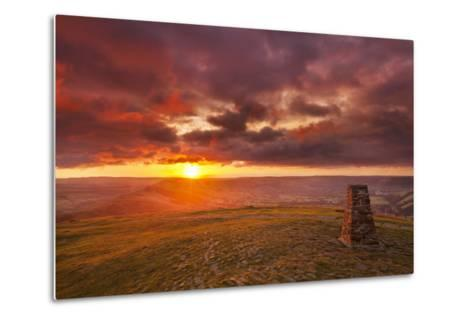 Sunrise on Great Ridge, Mam Tor, Hope Valley, Peak District National Park, Derbyshire-Neale Clark-Metal Print