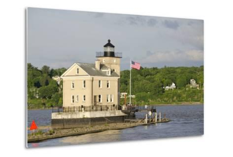 USA, New York, Kingston, Hudson River. Rondout Creek Light.-Cindy Miller Hopkins-Metal Print