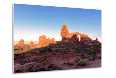 Landscape with Turret Arch in Arches National Park.-lucky-photographer-Metal Print