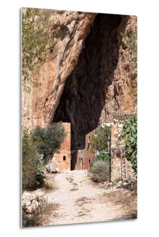 Mangiapane Cave, Sicily : A Village in A Cavern-Spumador-Metal Print