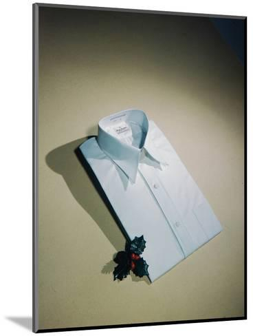 Best Selling Christmas Gifts - Pressed Shirt-Nina Leen-Mounted Photographic Print