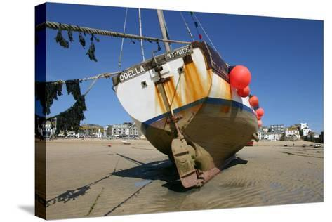 Fishing Boat in the Harbour at Low Tide, St Ives, Cornwall-Peter Thompson-Stretched Canvas Print