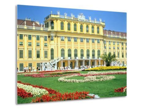 Schonbrunn Imperial Palace, Vienna, Austria-Peter Thompson-Metal Print