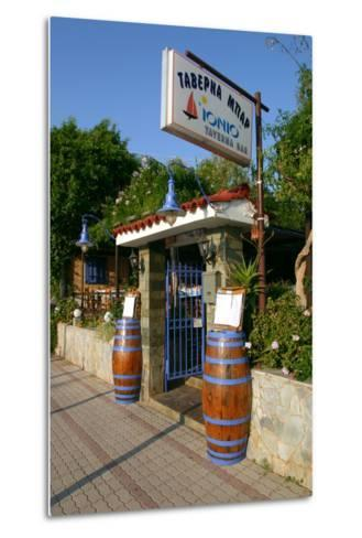 Taverna Lassi, Kefalonia, Greece-Peter Thompson-Metal Print