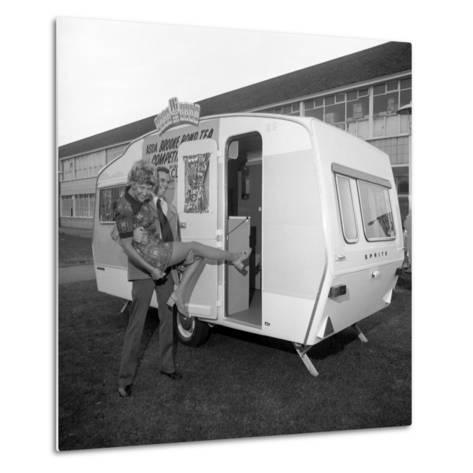 Caravan Winners, Rotherham, South Yorkshire, 1972-Michael Walters-Metal Print