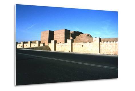 Mashki Gate, Nineveh, Iraq, 1977-Vivienne Sharp-Metal Print