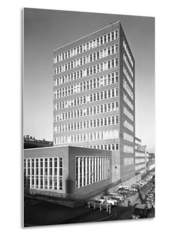 New Metallurgy Block Shortly after Completion, Sheffield University, South Yorkshire, 1966-Michael Walters-Metal Print