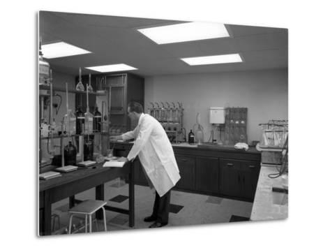 Laboratory Facility at Spillers Animal Foods, Gainsborough, Lincolnshire, 1960-Michael Walters-Metal Print
