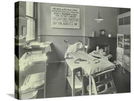A Theatre at the Thavies Inn Hospital, London, 1930--Stretched Canvas Print