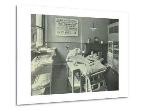 A Theatre at the Thavies Inn Hospital, London, 1930--Metal Print